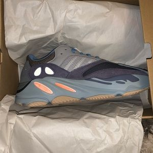 "NEVER BEEN WORN Yeezy Boost 700s ""Carbon Blue"""